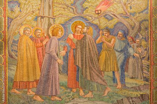 Valokuvatapetti Jerusalem - mosaic of the betrayal of Jesus in Gethsemane