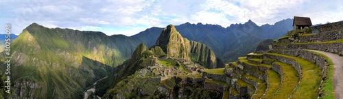 Photo Panorama of Machu Picchu, lost Inca city in the Andes, Peru