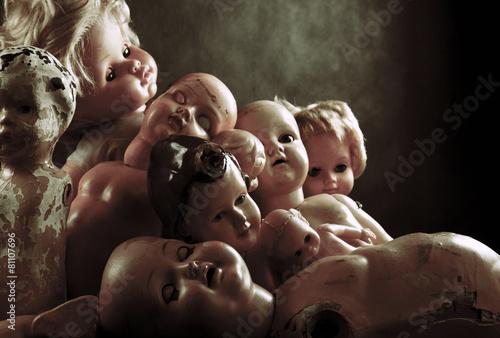 Canvas Creepy dolls