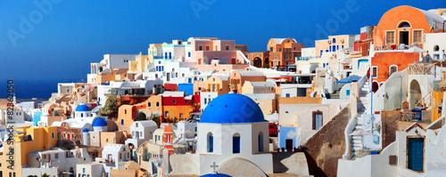 Photo Panorama of famous greece city Oia. Santorini island