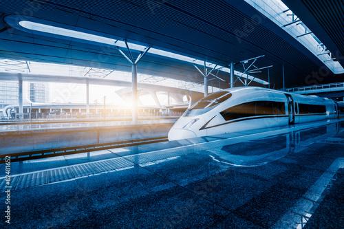 Εκτύπωση καμβά speeding train
