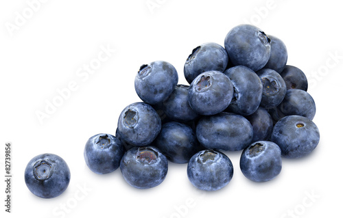 Foto Heap of fresh blueberry berries isolated on white background