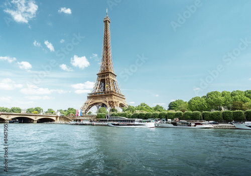 Seine in Paris with Eiffel tower in morning time Fototapet