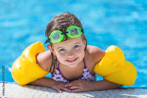 Canvas Print Child, Swimming, Swimming Pool.