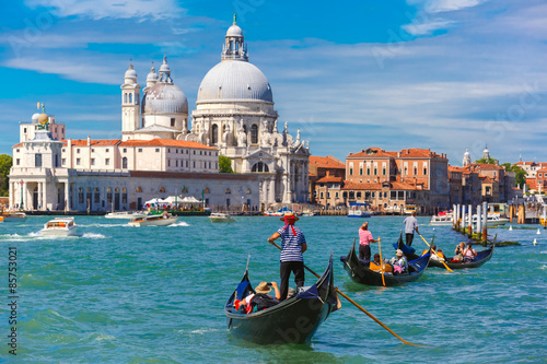 Gondolas on Canal Grande in Venice, Italy Fototapet