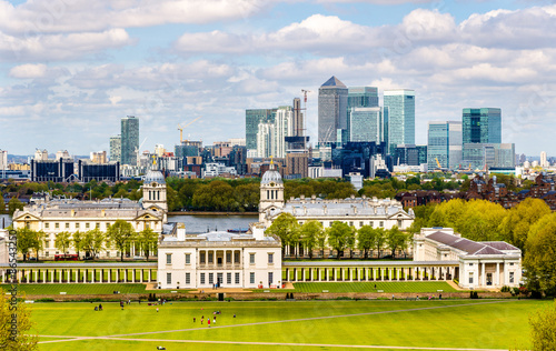 Cuadros en Lienzo View of Canary Wharf from Greenwich - London, England