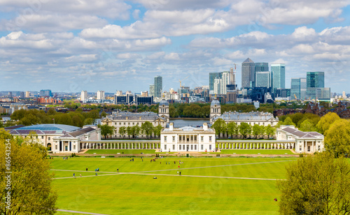 Fotografija View of the National Maritime Museum and Canary Wharf - London,
