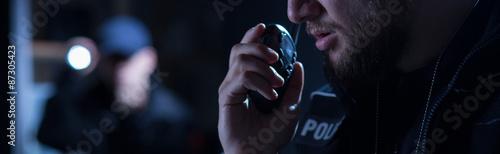 Fotografia Police officer needs help