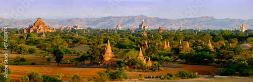 Photo Panoramic landscape view of old temples in Bagan, Myanmar