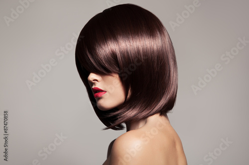 Cuadros en Lienzo Beauty model with perfect long glossy brown hair. Close-up portr