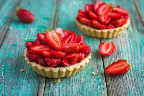 Canvas Print Tart with fresh sweet strawberry