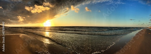 leerer strand panorama #87894441