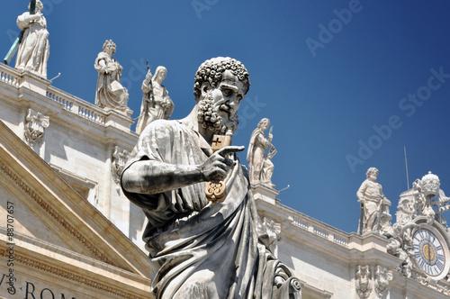 Fotografia Statue of Saint Peter in Vatican city, Italy