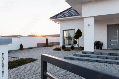 Residence with yard Fototapeta