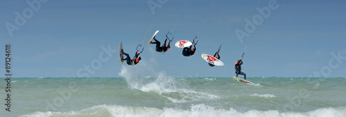looping arrière en kitesurf #89124618