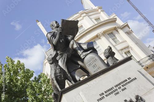 Fotografiet Statue of Sir Robert Grosvenor, KG First Marquees of Westminster, Belgrave Squar