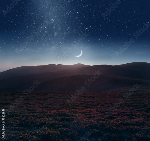 Stampa su Tela Crescent moon over the mountains