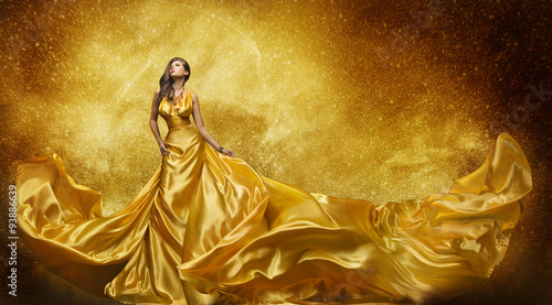 Fotografia Gold Fashion Model Dress, Woman Golden Silk Gown Flowing Fabric