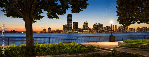 Fotografia, Obraz Jersey City Waterfront with Hudson River from Manhattan at Sunse