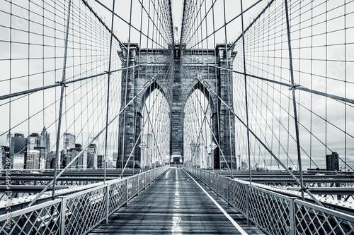 Czarno-biały Brooklyn Bridge