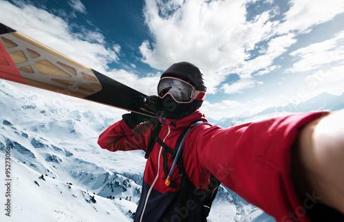 Wallpaper Mural Skier takes a Selfie