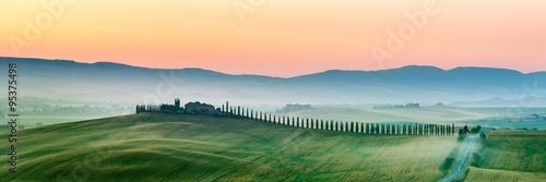 Fotografie, Obraz summer landscape of Tuscany, Italy.