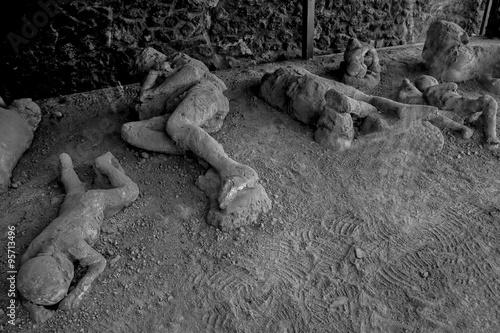Photo Pompeii victims
