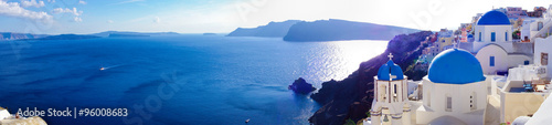 Photo Panorama of Oia village on Santorini, Greece