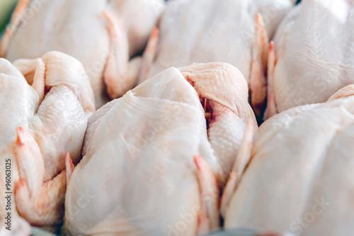Carta da parati Raw  butchered chicken