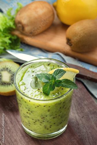 Green smoothie with kiwi and lemon #96648076