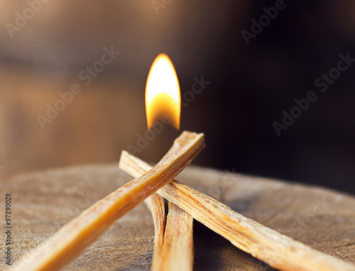 Fotografia fireball and burning kindling