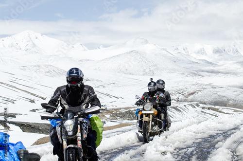 Fototapeta Ladakh,India - July 20,2015 : Bikers group at Khardungla Pass Wo