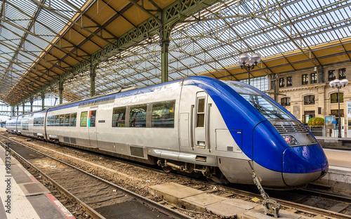 Fotografie, Tablou Regional express train at Tours station - France