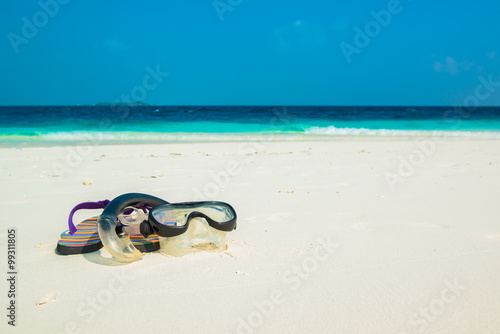 Sand beach and ocean wave, South Male Atoll. Maldives Fototapeta