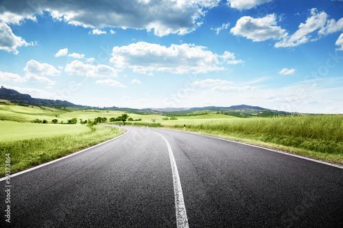 Canvas Print asphalt road in Tuscany, Italy