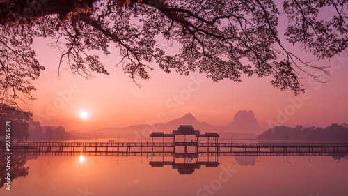 Stampa su Tela Myanmar (Burma) Hpa An lake at sunrise