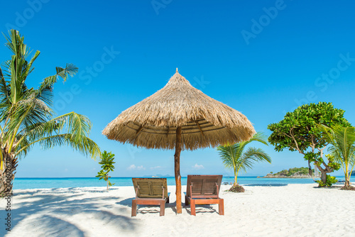 Fotografia Summer, Travel, Vacation and Holiday concept - Beach Chairs and
