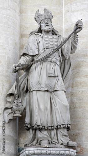 Fotografie, Obraz BRUSSELS - JUNE 21: Statue of high priest from Saint Nicholas church on June 21, in Brussels