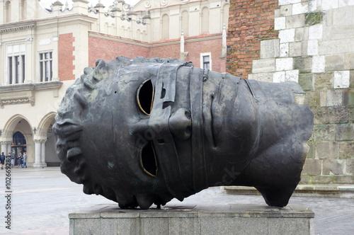 kraków rzeźba głowy - Eros spętany