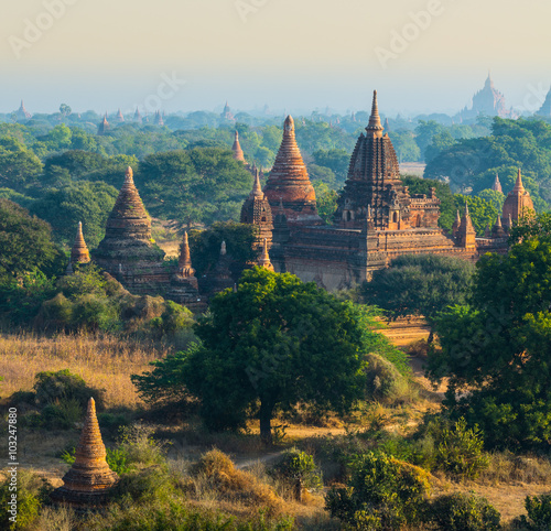 Photo The ruin of ancient temple in Bagan City