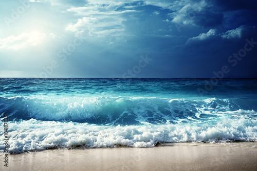 Fototapeta waves at Seychelles beach