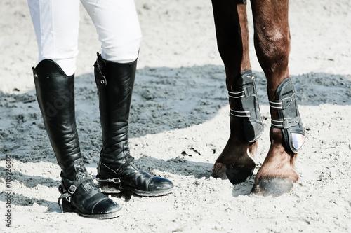 Tablou Canvas équitation jambes pied pattes cheval cavalier botte