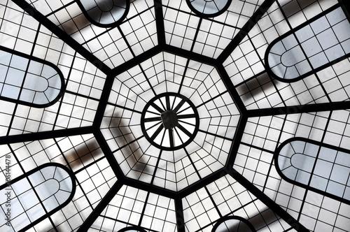 Canvas Print Glass cupola inside a dome