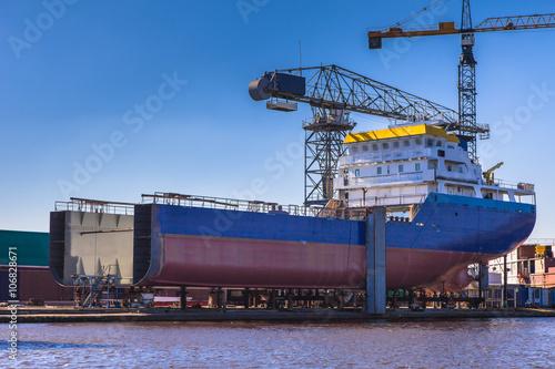 Canvas Print Ship building