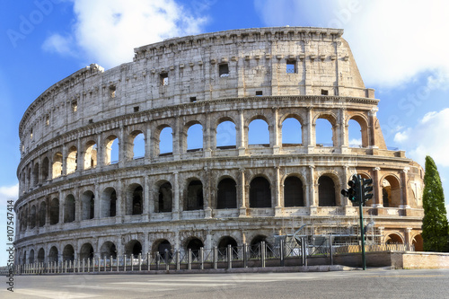 Canvas Print Side view of the famous monument, complete facade of the Colosseum, taken at the end of the restoration, not of people