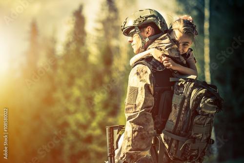Fotografia Soldier Returning Home
