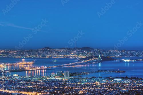 Carta da parati San Francisco Bay in Pre-Dawn Blue