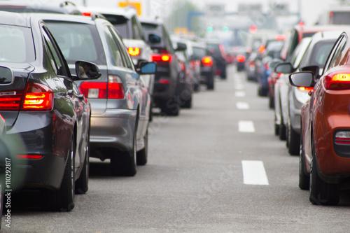 Obraz na plátně Cars on road highway in traffic jam