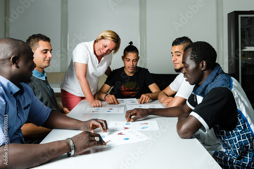 Fotografia Language training for refugees in a German camp