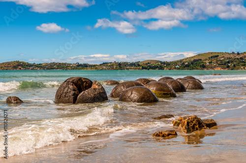 Fotografia Moeraki Boulders in Otago, South Island of New Zealand